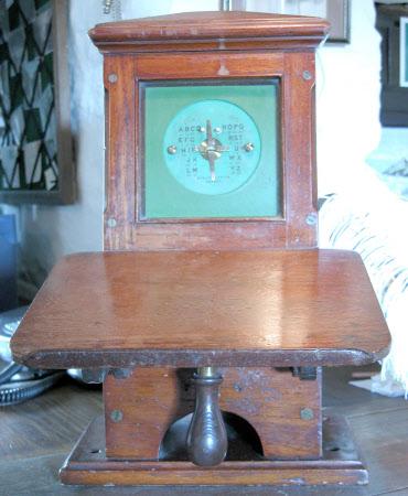 Telegraph undulator