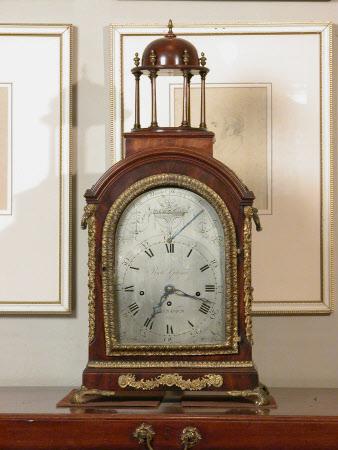 Bracket clock