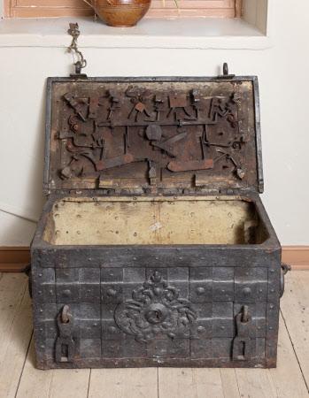 Deeds chest