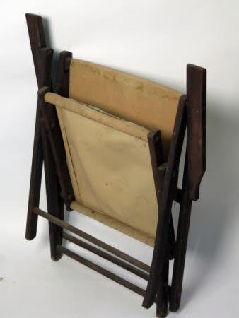 Folding canvas chair
